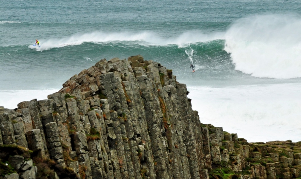 UPDATE:  Waking-up to a swell which had continued to build -- Al Mennie, Andrew Cotton, Lyndon Wake and Gary CaCall (photos) went back and towed Finn MacCools at 20ft in tricky winds gusting up to 60mph.