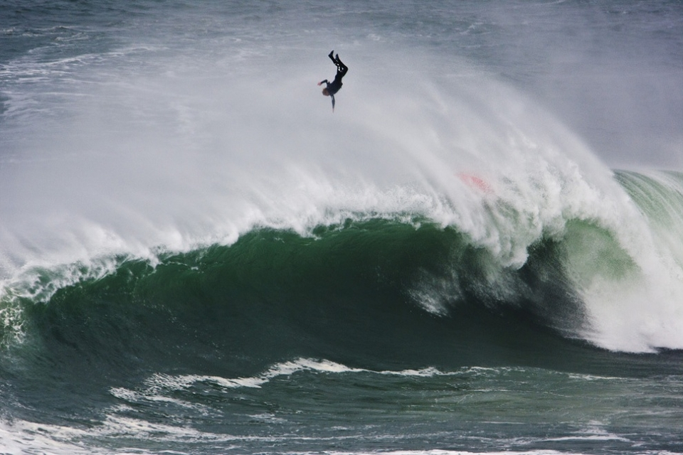 Also out there was Brit, Andrew Cotton, arriving a day behind the peak of the swell from the wilds of Scotland.