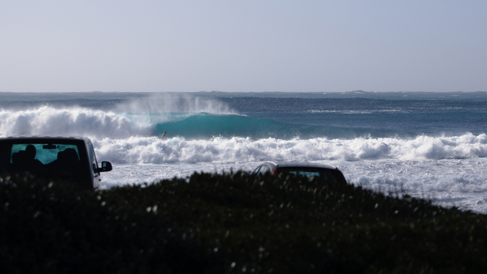 With a combination of Mistral wind and a big ground swell, the coast of Capo Mannu lights up.