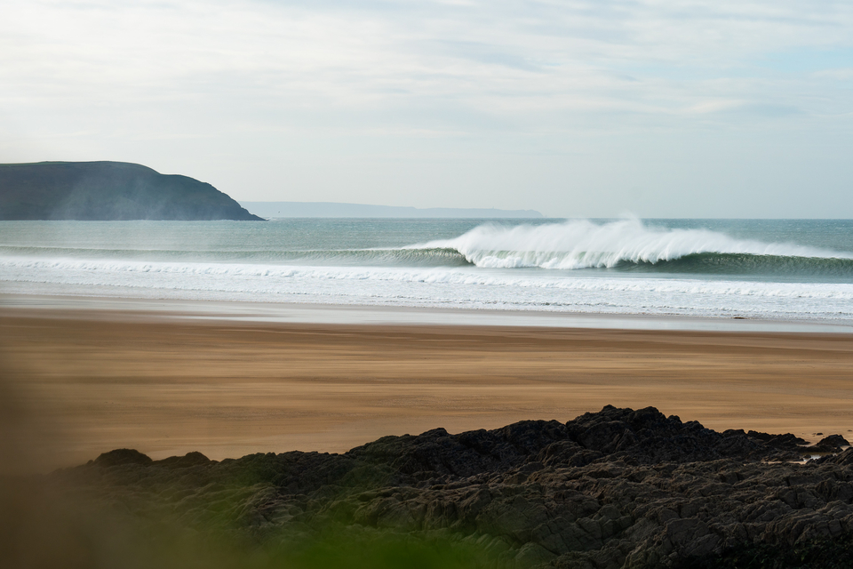 Contrary to how it may seem, not a closeout. That offshore breeze stood Woolacombe up.