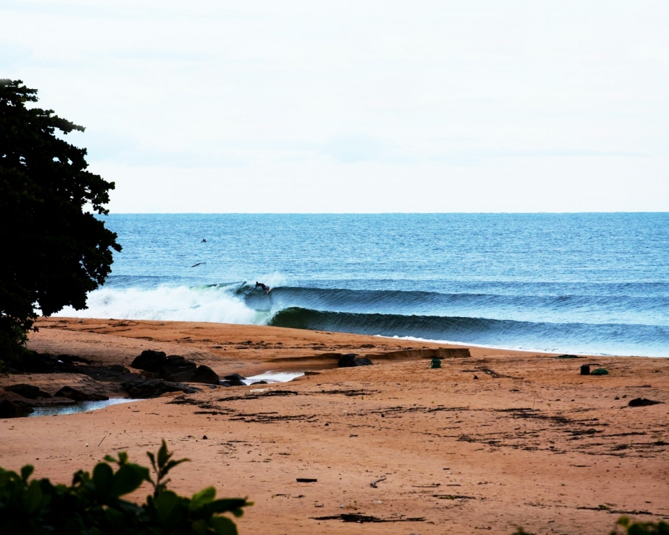 Alluring lines at one of the best lefthand points in Africa.